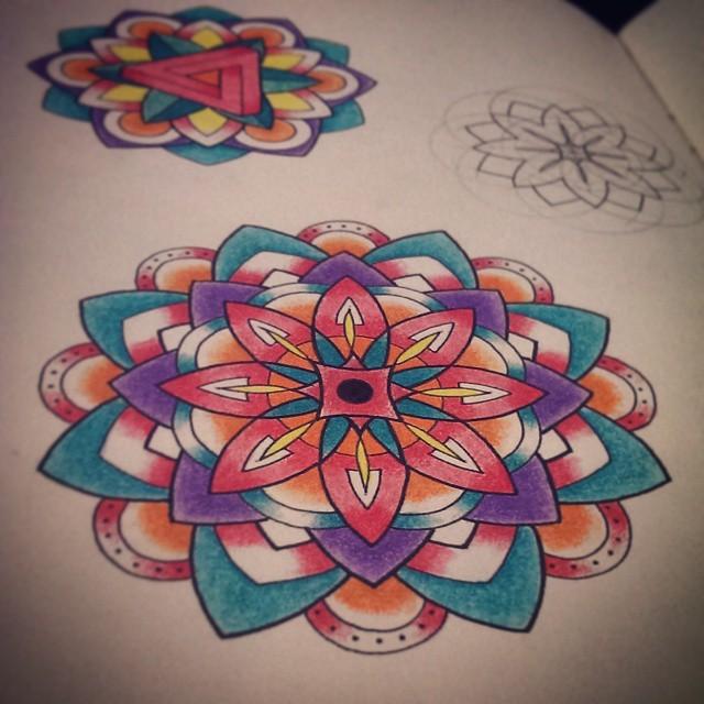 dessin du soir, bonsoir ! #1 tattoos, tatouages, tattoo, tatouage, mandala tattoos, dotwork, illustration, artwork